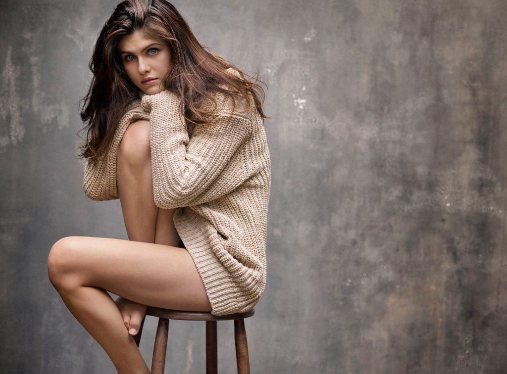 Check Out These Alexandra Daddario Nude Pics!